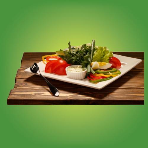 Свежие овощи с соусом тар-тар
